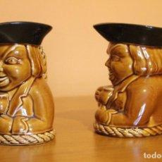 Antigüedades: CONJUNTO DE DOS JARRAS DE LA FÁBRICA DE LOZA DE SAN CLAUDIO, OVIEDO, ASTURIAS, SERIE VALDEMORA. Lote 109334991