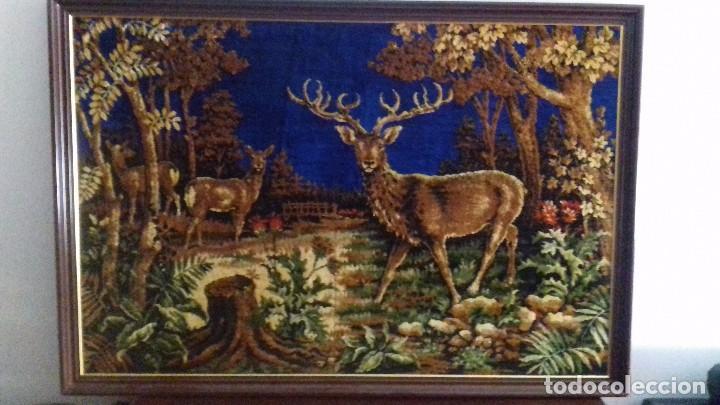 Antigüedades: Tapiz de ciervos años 70 - Foto 2 - 109366959