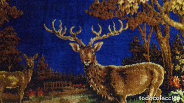 Antigüedades: Tapiz de ciervos años 70 - Foto 4 - 109366959