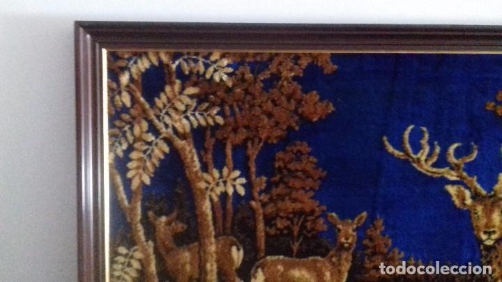 Antigüedades: Tapiz de ciervos años 70 - Foto 6 - 109366959