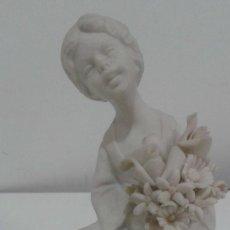 Antigüedades: BISCUIT PORCELANA CAPODIMONTE FIRMADA MARCOLIN, SELLO INCISO. Lote 109371503
