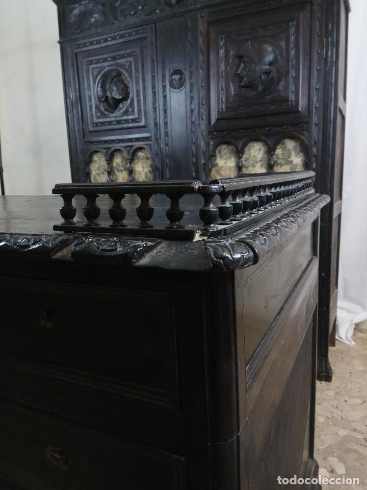 Antigüedades: ELEGANTE DESPACHO TALLADO TIPO RENACIMIENTO - ARMARIO CON 2 PUERTAS Y BALDAS Y MESA CON 9 CAJONES - Foto 4 - 109443299