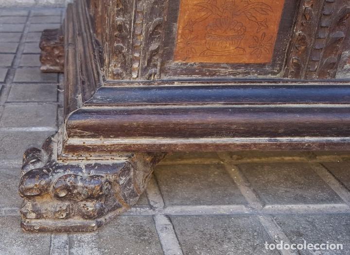 Antigüedades: ARCÓN DE NOVIA. NOGAL CON INCRUSTACIONES DE BOJ. ESTILO BARROCO. ESPAÑA. XVIII-XIX. - Foto 24 - 109440755