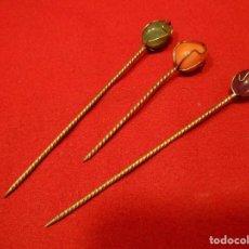 Antigüedades: LOTE DE TRES PINCHOS METALICOS Y CON PIEDRA NATURAL PARA APERITIVOS. Lote 109451795