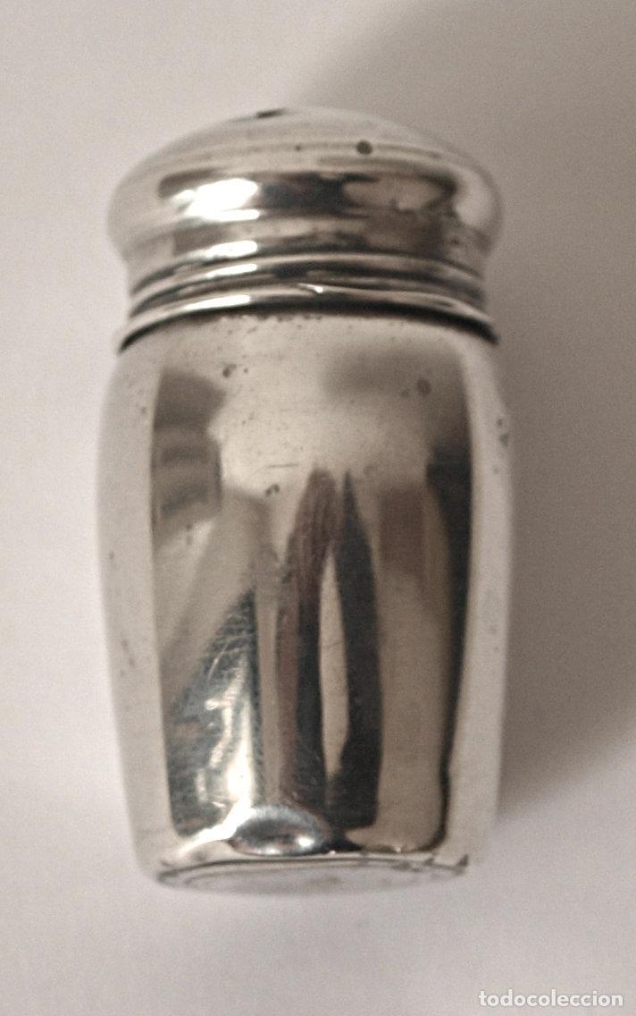 Antigüedades: SALERO DE PLATA DE LEY CONTRASTADA. 4,8 CM ALTO APROX. 8,8 GRAMOS. VER FOTOS Y DESCRIPCION - Foto 2 - 109483759