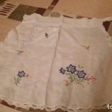 Antigüedades: DELANTAL BORDADO A MANO,. Lote 109493119