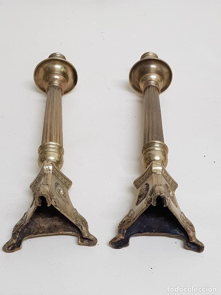 Antigüedades: Candeleros bronce siglo XVIII-XIX - Foto 8 - 109501679