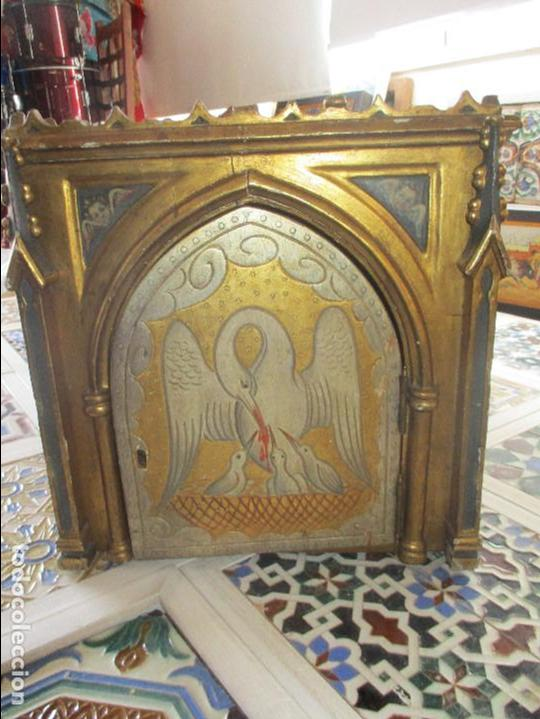 SAGRARIO DE MADERA TALLADA Y PAN DE ORO (Antigüedades - Religiosas - Artículos Religiosos para Liturgias Antiguas)