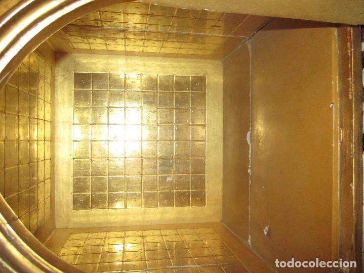 Antigüedades: Sagrario de madera tallada y pan de oro - Foto 5 - 109592663