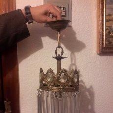 Antigüedades: ANTIGUA LAMPARA DE BRONCE Y CRISTAL TALLADO. Lote 109611504