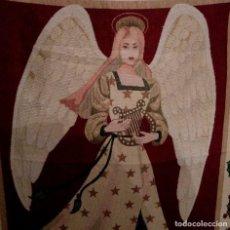 Antiques - GRAN TAPIZ DE ORIGEN INGLES CON ANGEL MUSICO - 1,63 X 1,20 M. - 109682795