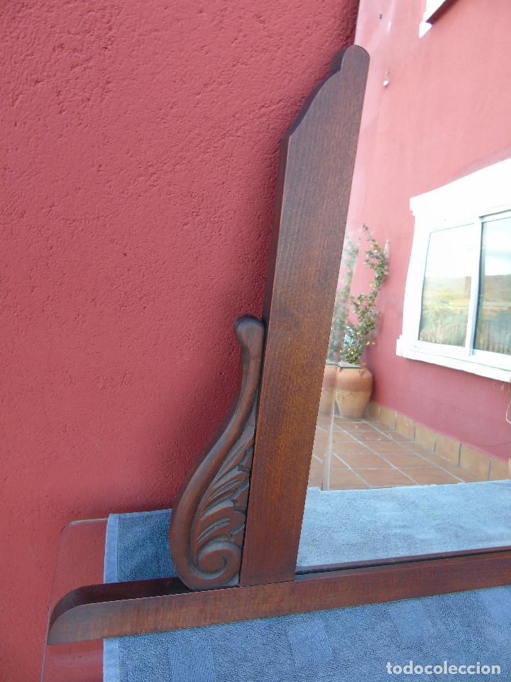 Antigüedades: ESPEJO ANTIGUO DE MADERA TALLADA, BISELADO. RESTAURADO. - Foto 3 - 109755519