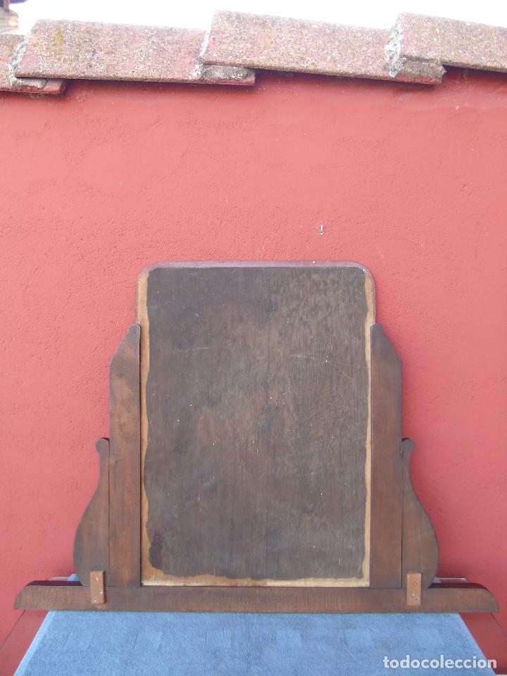 Antigüedades: ESPEJO ANTIGUO DE MADERA TALLADA, BISELADO. RESTAURADO. - Foto 5 - 109755519