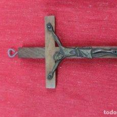 Antigüedades: CRUZ CON CRISTO DE BRONCE DE MEDIADOS DEL SIGLO XX. Lote 109820195