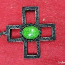 Antigüedades: CRUZ DE PLATA CON ESMALTE Y PIEDRAS. Lote 109820411