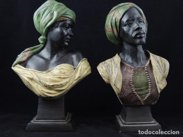 PAREJA BUSTOS BRONCE ORIENTALISTA P.S.XX (Antigüedades - Hogar y Decoración - Figuras Antiguas)