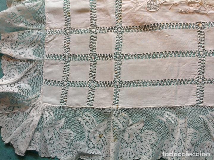 Antigüedades: Antiguo tapete bordado con encajes - Foto 5 - 110039756