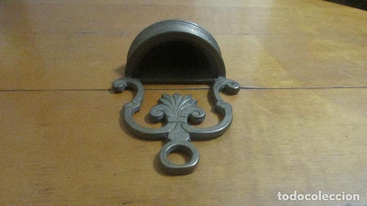Antigüedades: Benditera de bronce - Foto 2 - 110058783