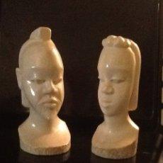 Antigüedades: PAREJA DE BUSTOS HUMANOS, HOMBRE Y MUJER, DE MARFIL TALLA AFRICANA.. Lote 110063336