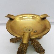 Antigüedades: ORIGINAL CENICERO ANTIGUO DE BRONCE CON FORMA DE COPA ESTILO IMPERIO.. Lote 131526583