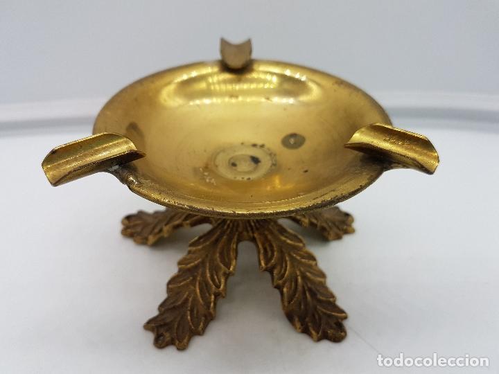 Antigüedades: Original cenicero antiguo de bronce con forma de copa estilo imperio. - Foto 2 - 131526583