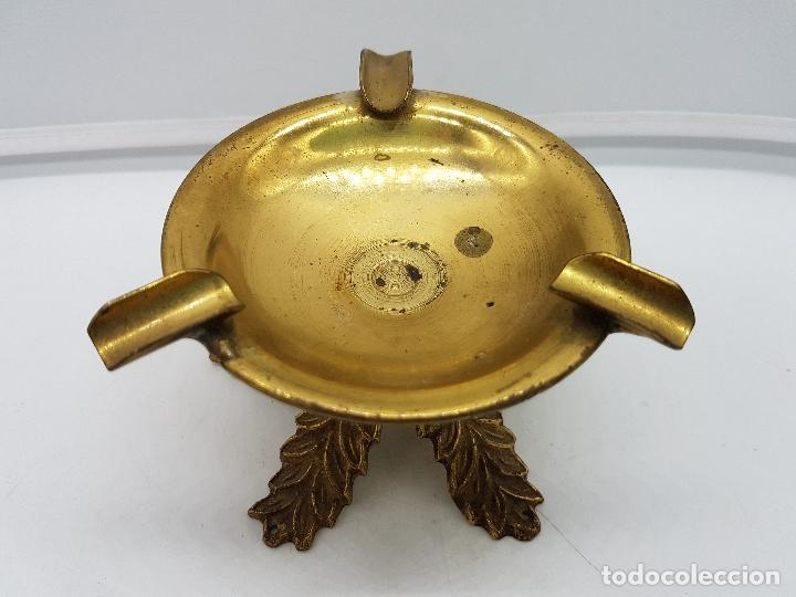 Antigüedades: Original cenicero antiguo de bronce con forma de copa estilo imperio. - Foto 4 - 131526583