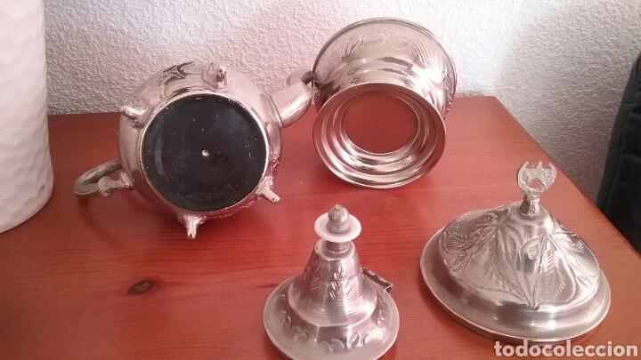 Antigüedades: JUEGO DE TE ÁRABE .TETERA, AZUCARERO Y 6 COPAS-VASOS.COMPRADO EN ARGELIA. AÑOS 80 - Foto 3 - 110111928