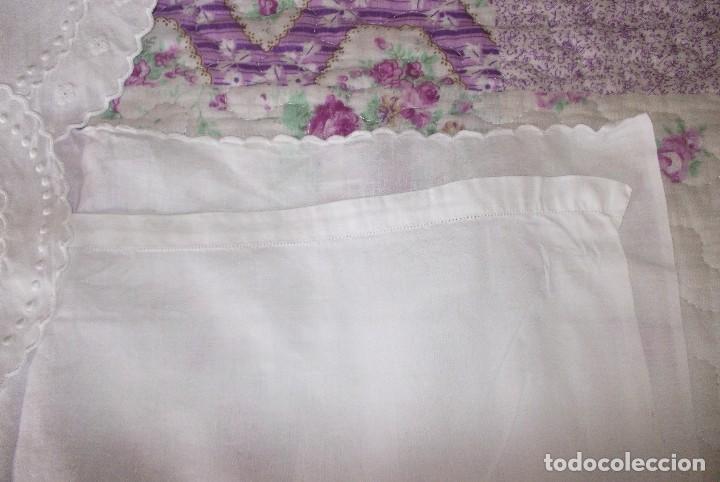 Antigüedades: SABANA DE CUNA BORDADA A MANO ANTIGUA-AÑOS 50-60 - Foto 6 - 110142591