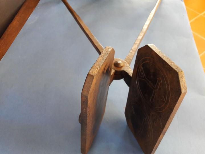 Antigüedades: Hostiario, tenazas para hacer hostias consagradas - Foto 2 - 110148687