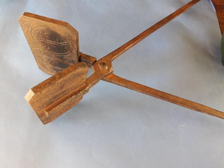Antigüedades: Hostiario, tenazas para hacer hostias consagradas - Foto 5 - 110148687
