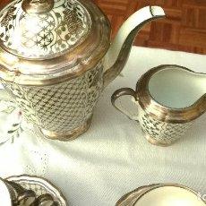 Antigüedades: JUEGO ANTIGUO DE CAFÉ DE PORCELANA Y PLATA BAVARIA. Lote 110152947