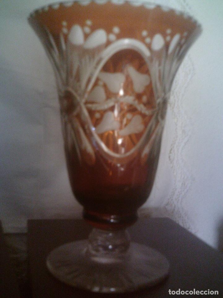 MAGNIFICO JARRON DE CRISTAL CHECO-BOHEMIA TALLADO, MIDE 23CM. DE ALTO (Antigüedades - Cristal y Vidrio - Bohemia)