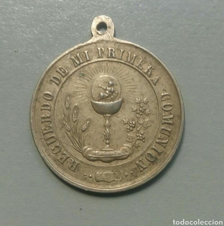 MEDALLA ANTIGUA RECUERDO DE COMUNION (Antigüedades - Religiosas - Medallas Antiguas)