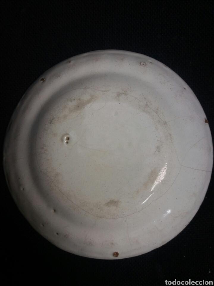 Antigüedades: Plato de ceramica de Alcora - Foto 2 - 28560452