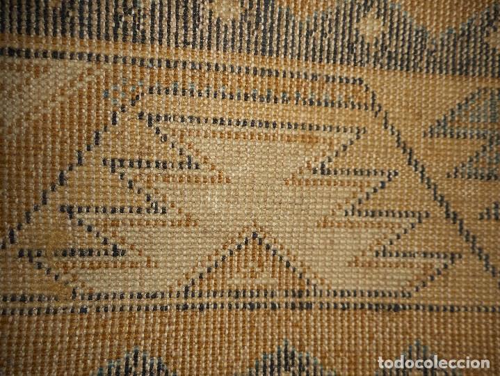 Antigüedades: alfombra años 20 perfecto estado mide 240 por 167 cm recogida provincia barcelona - Foto 5 - 110189323
