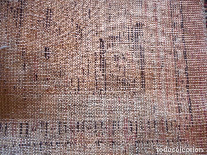 Antigüedades: gran alfombra años 20 30 mide 247 por 190 cm recogida provincia barcelona - Foto 5 - 110191303