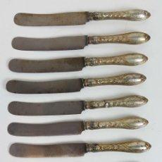 Antigüedades: SET DE 10 CUCHILLOS DE POSTRE. ACERO Y PLATA. CIRCA 1950. . Lote 110191539