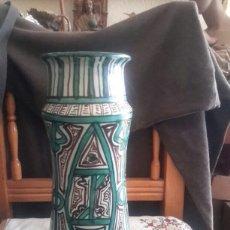 Antigüedades: GRAN ALBARELO DE CERAMICA DE TERUEL FIRMADO PUNTER. Lote 110197556