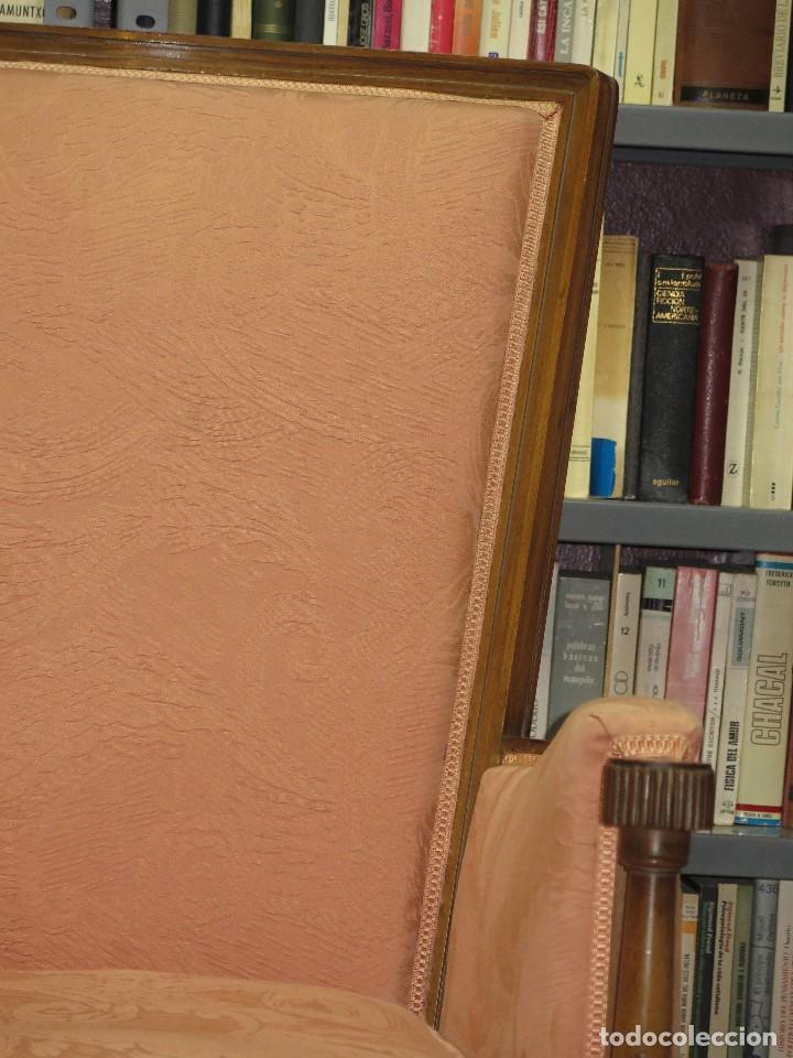 Antigüedades: ANTIGUA Y PRECIOSA BUTACA DE NOGAL. ESTILO CARLOS IV - Foto 4 - 113466462