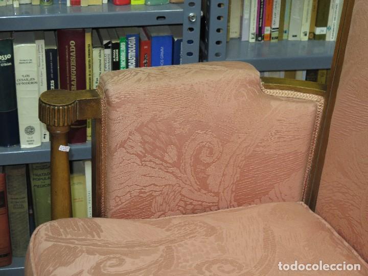 Antigüedades: ANTIGUA Y PRECIOSA BUTACA DE NOGAL. ESTILO CARLOS IV - Foto 9 - 113466462
