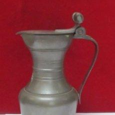 Antigüedades: JARRA DE ESTAÑO BUEN TAMAÑO,GRABADO EN LA PIEZA ESTAÑOL. Lote 110215027