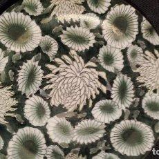 Antigüedades - plato de loza china verde y blanco pintado a mano con oro circa 1960 - 110910658