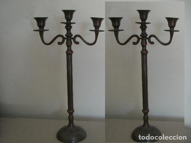 PAREJA DE CANDELABROS (Antiquitäten - Wohnen und Dekoration - Antike Kerzenständer)