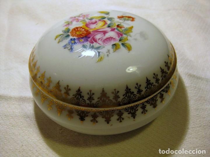 JOYERO BOMBONERA PORCELANA DE LIMOGES 12 CMS DE DIÁMETRO (Antigüedades - Porcelana y Cerámica - Francesa - Limoges)