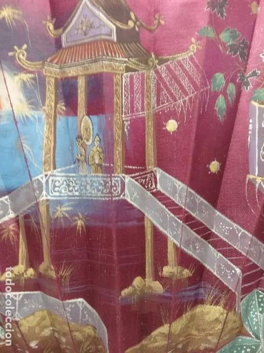 Antigüedades: ANTIGUO ABANICO VARILLAS DE MADERA Y SEDA PINTADA A MANO - Foto 4 - 110407935