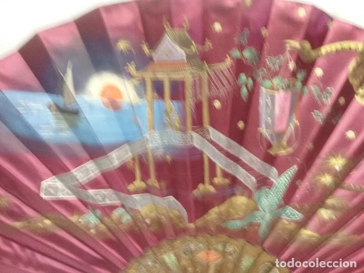 Antigüedades: ANTIGUO ABANICO VARILLAS DE MADERA Y SEDA PINTADA A MANO - Foto 2 - 110407935