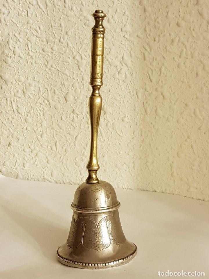 CAMPANILLA DE PLATA CON MANGO DE BRONCE SIGLO XVIII-XIX (Antigüedades - Platería - Plata de Ley Antigua)