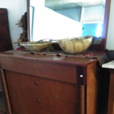 Antigüedades: ANTIGUA CÓMODA MEDIO IMPERIO EN MADERA DE CAOBA- RESTAURADA. Lote 110498067
