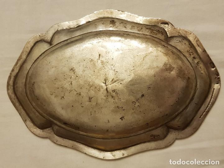 Antigüedades: Bandeja de plata. Punzonado Madrid-1779 - Foto 2 - 110499039