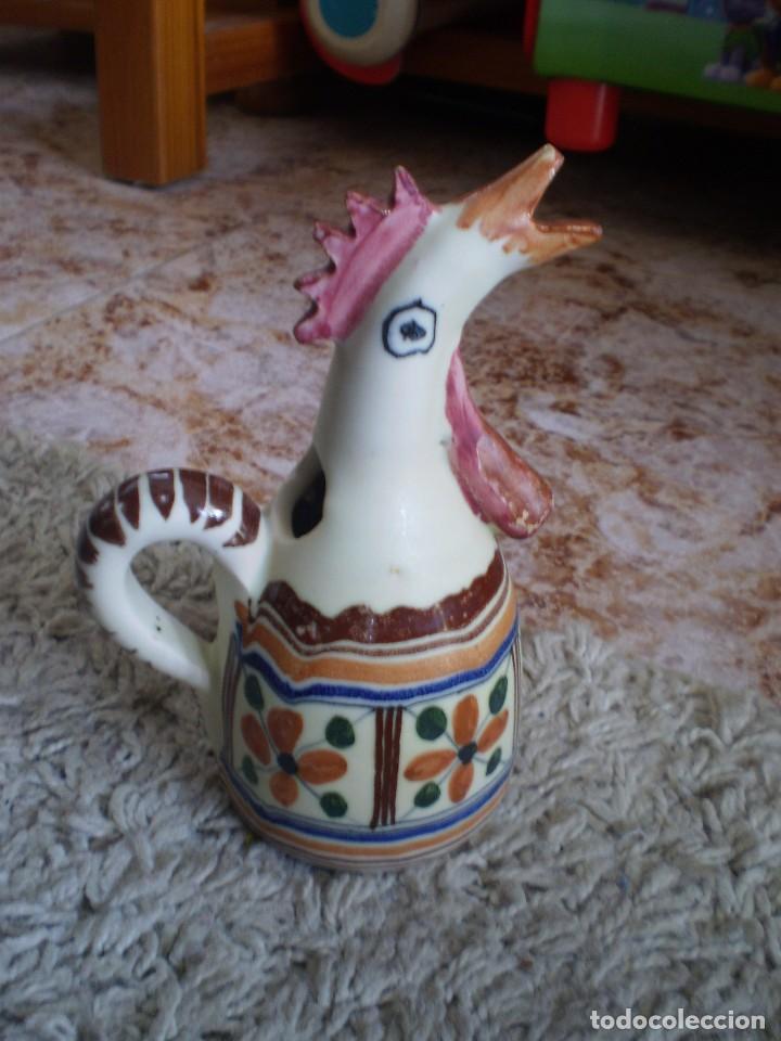 PRECIOSO BOTIJO ANTIGUO CON FORMA DE GALLINA. FIRMADO Y FECHADO (Antigüedades - Porcelanas y Cerámicas - Otras)
